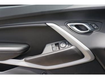 2018 Chevrolet Camaro - Image 10