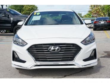 2019 Hyundai Sonata - Image 1