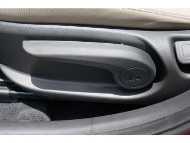 2017 Hyundai Elantra - Image 13