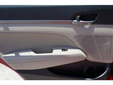 2017 Hyundai Elantra - Image 14