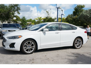 2019 Ford Fusion - Image 2