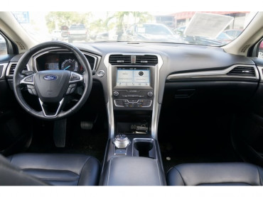 2019 Ford Fusion - Image 17