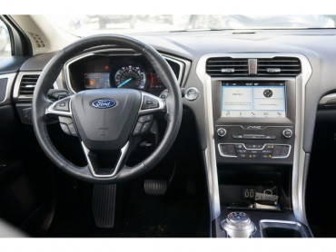 2019 Ford Fusion - Image 18