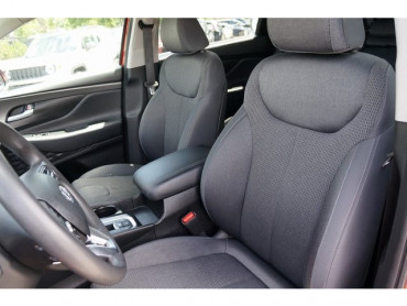 2019 Hyundai Santa Fe - Image 13