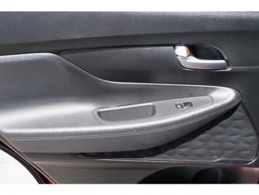 2019 Hyundai Santa Fe - Image 14