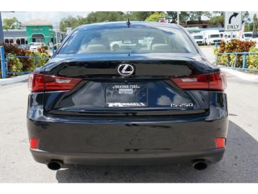 2015 Lexus IS - Image 5